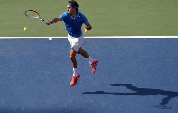 Federer flying shot
